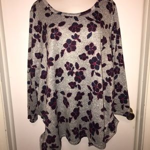 Lightly loved lane bryant tunic size 26/28